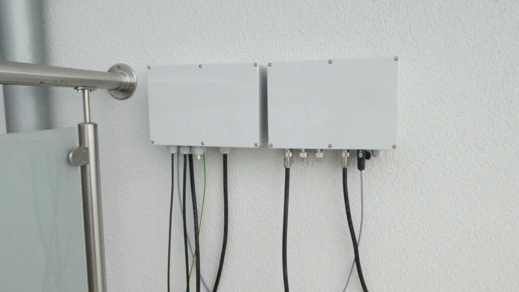 Antennenumschalter neben der Kabelbox